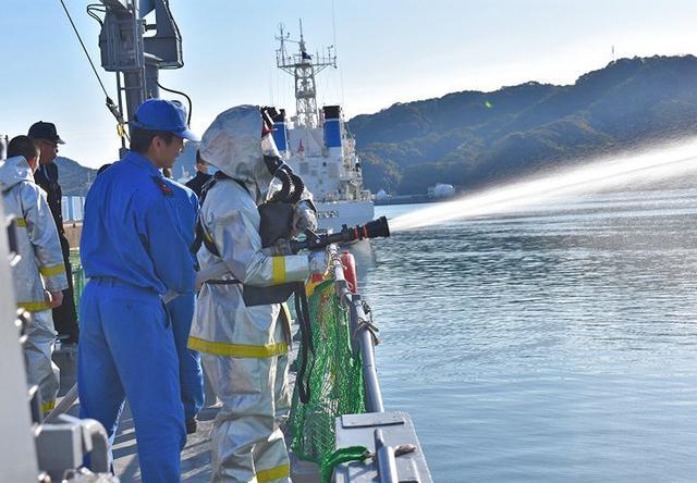 画像4: 掃海管制艇「ながしま」でインターンシップ|高知地本