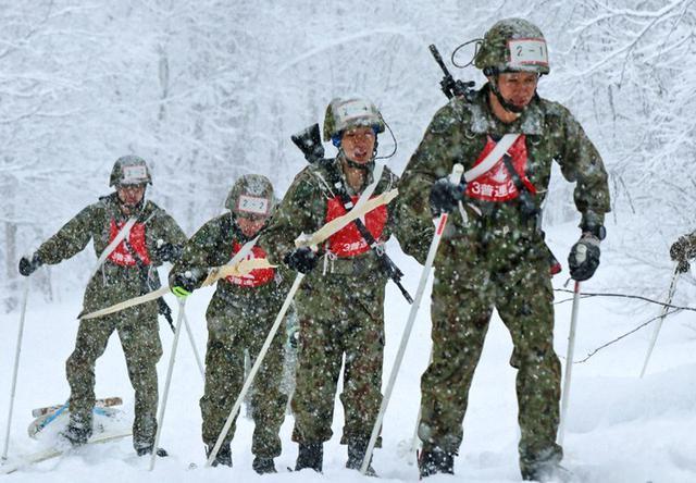 画像1: 団結強化と士気高揚 冬季戦技競技会|名寄駐屯地