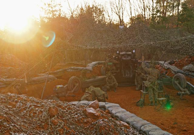 画像10: 青野ヶ原演習場で特科中隊訓練検閲|姫路駐屯地