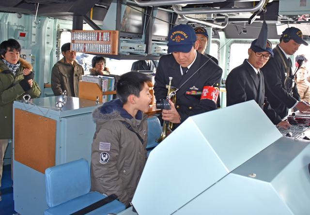 画像2: 海自掃海艇 体験航海・広報に390人|三重地本