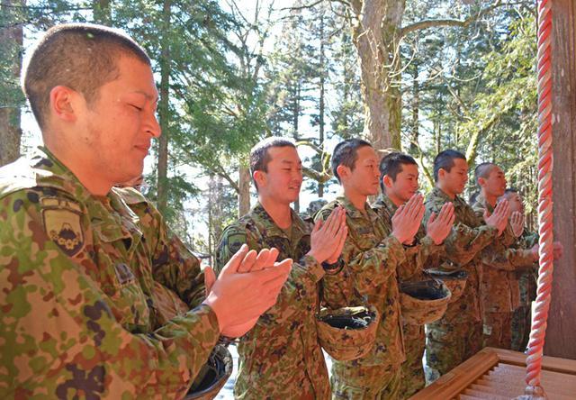 画像5: 3曹昇任者が徒歩行進訓練|北富士駐屯地
