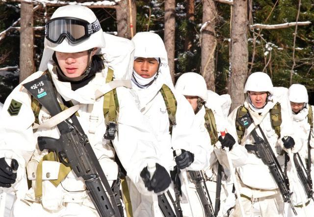 画像1: 恒例の八甲田演習に622人|青森駐屯地