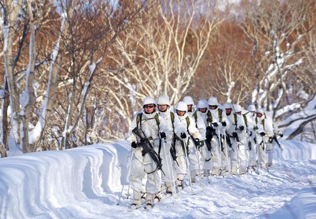 画像9: 恒例の八甲田演習に622人|青森駐屯地