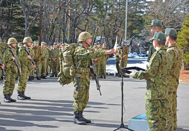 画像7: 3曹昇任者が徒歩行進訓練|北富士駐屯地