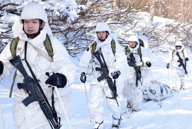 画像6: 恒例の八甲田演習に622人|青森駐屯地