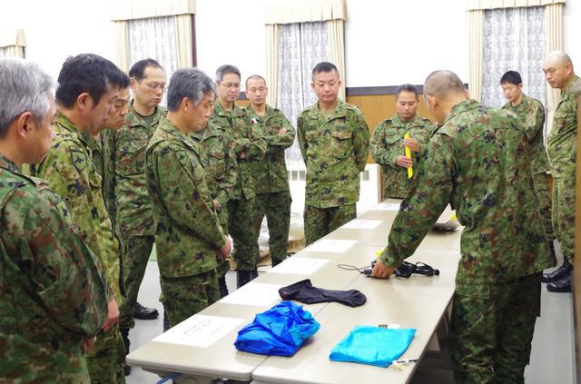 画像3: 北海道初勤務の将官らが寒冷地訓練|陸自冬季戦技教育隊