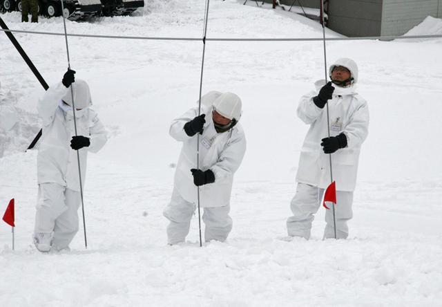 画像4: 北海道初勤務の将官らが寒冷地訓練|陸自冬季戦技教育隊