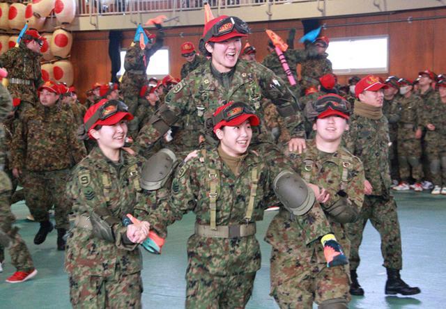 画像1: 中隊対抗騎馬戦、女性隊員も健闘|秋田駐屯地