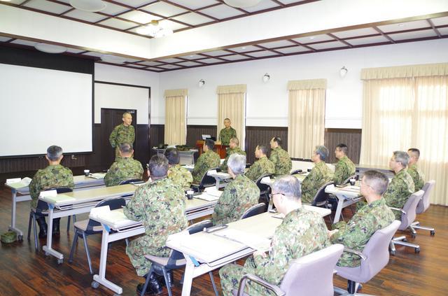 画像2: 北海道初勤務の将官らが寒冷地訓練|陸自冬季戦技教育隊