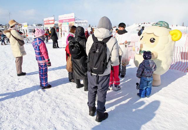 画像3: 「札幌雪まつり」自衛隊ブースに3000人|札幌地本