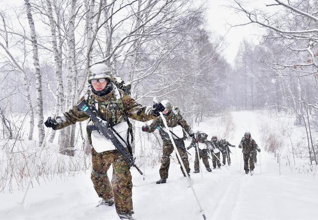 画像1: 氷点下でのスキー行進・総合戦闘訓練|美幌駐屯地