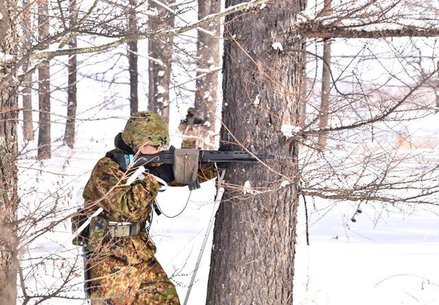 画像9: 氷点下でのスキー行進・総合戦闘訓練|美幌駐屯地