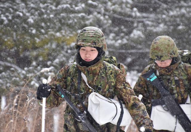 画像2: 氷点下でのスキー行進・総合戦闘訓練|美幌駐屯地