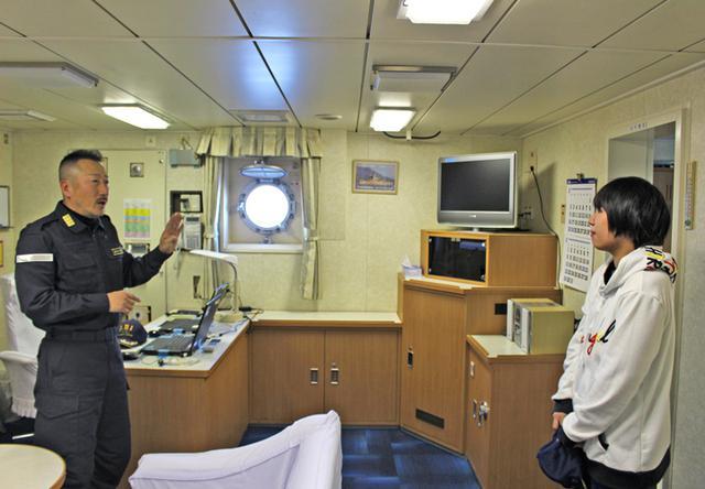画像3: 入隊予定女子が輸送艦宿泊体験|帯広地本