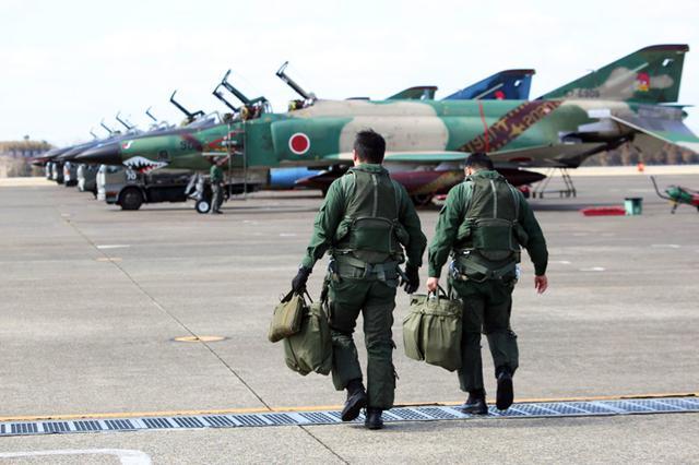 画像1: 偵察航空隊飛行訓練終了セレモニー