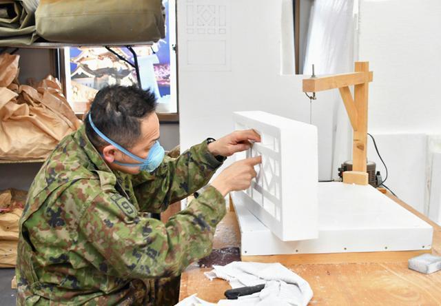 画像4: 「雪燈籠まつり」隊員65人が雪像制作|弘前駐屯地