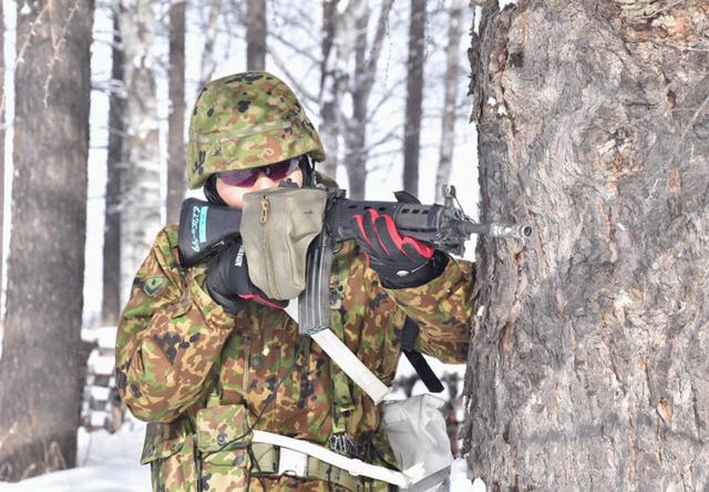 画像6: 氷点下でのスキー行進・総合戦闘訓練|美幌駐屯地