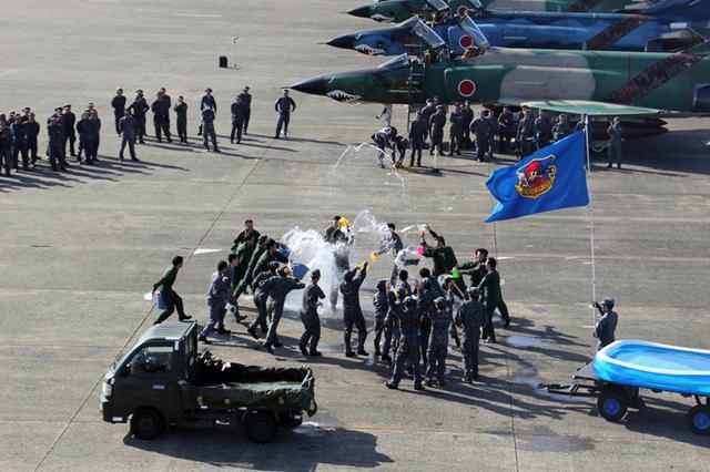画像3: 偵察航空隊飛行訓練終了セレモニー