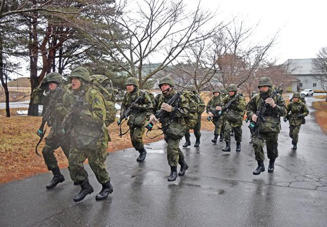 画像7: 自衛官候補生、気温0度下で25km行進|青森駐屯地