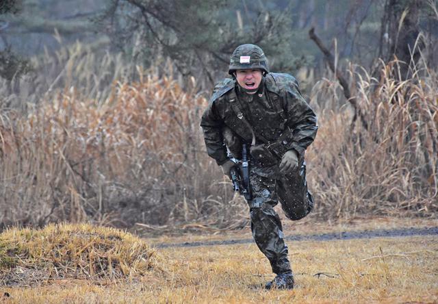 画像4: 予備自衛官が小銃射撃・戦闘訓練|豊川駐屯地