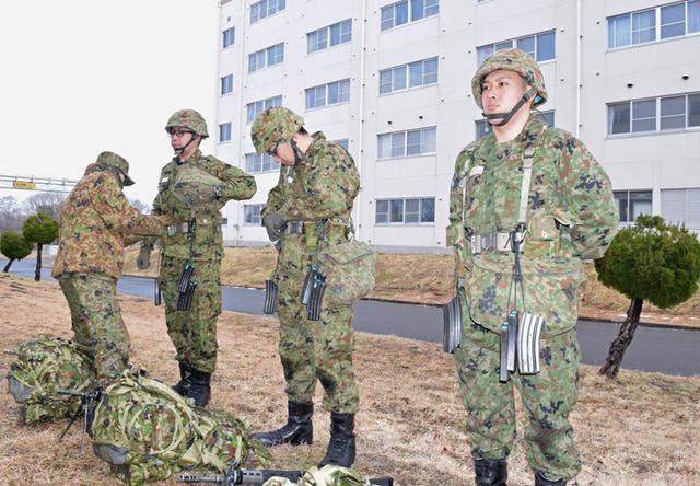 画像3: 自衛官候補生、気温0度下で25km行進|青森駐屯地