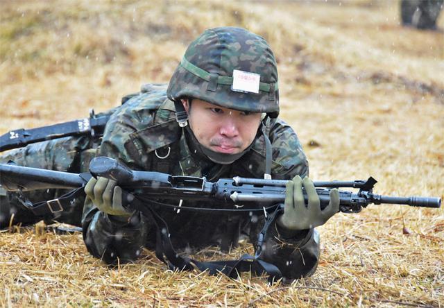 画像3: 予備自衛官が小銃射撃・戦闘訓練|豊川駐屯地