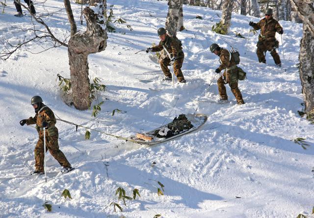 画像4: 消防と冬山遭難の共同訓練、連携強化|美幌駐屯地