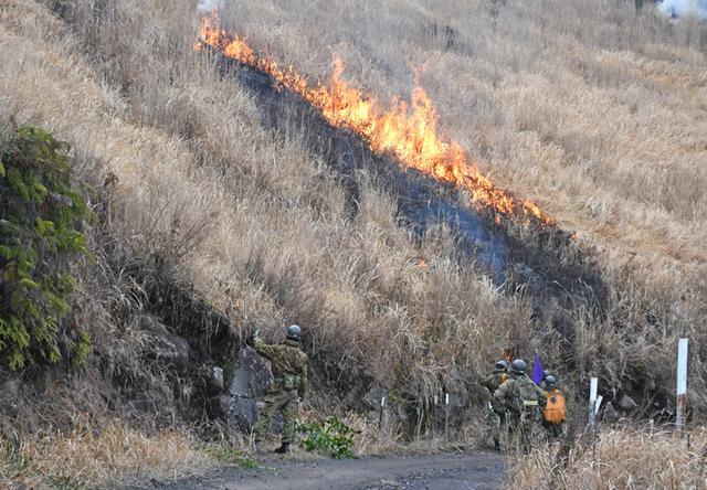 画像4: 霧島演習場 野焼き支援|都城駐屯地