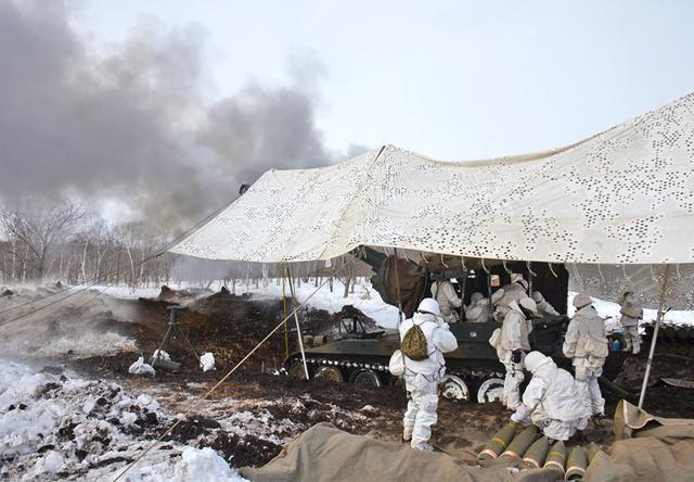 画像3: 積雪地での陣地占領と射撃競い合う|北千歳駐屯地