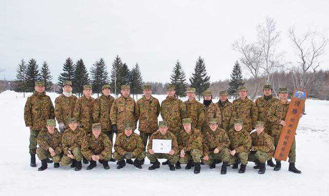 画像4: 積雪地での陣地占領と射撃競い合う|北千歳駐屯地