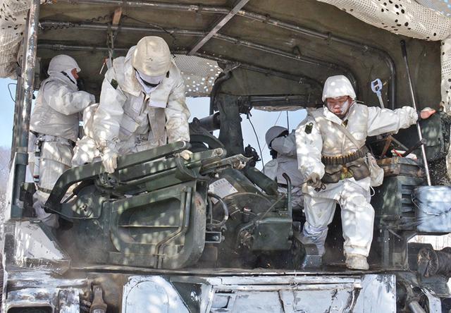 画像2: 積雪地での陣地占領と射撃競い合う|北千歳駐屯地