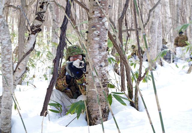 画像11: 山岳での生存機動、冬季遊撃技能を修得|陸自冬季戦技教育隊