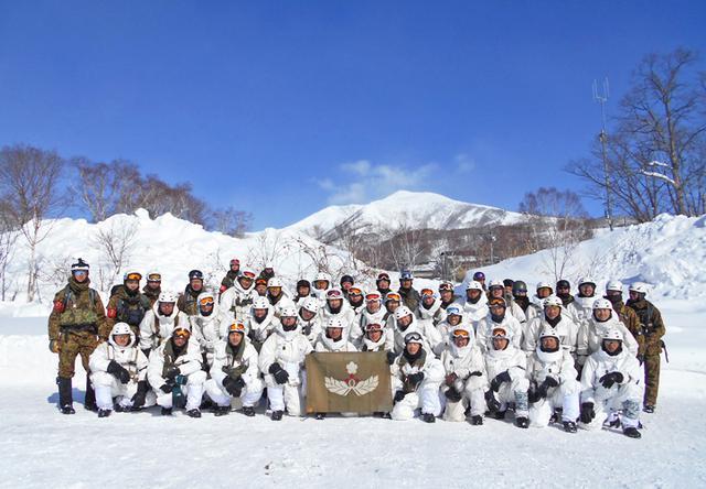 画像7: 山岳での生存機動、冬季遊撃技能を修得|陸自冬季戦技教育隊