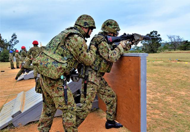 画像1: 日米射撃競技会 51普連3中隊の分隊が優勝|陸自15旅団