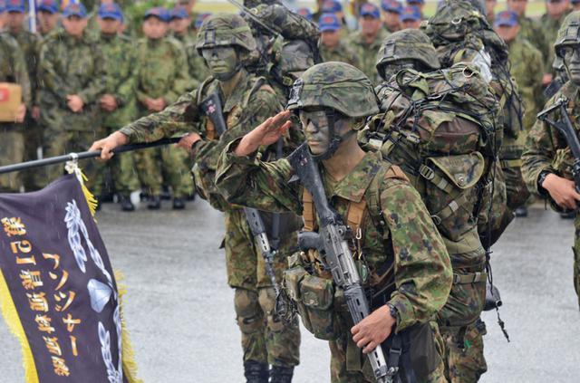 画像1: レンジャー訓練 12人が帰還|陸自15旅団