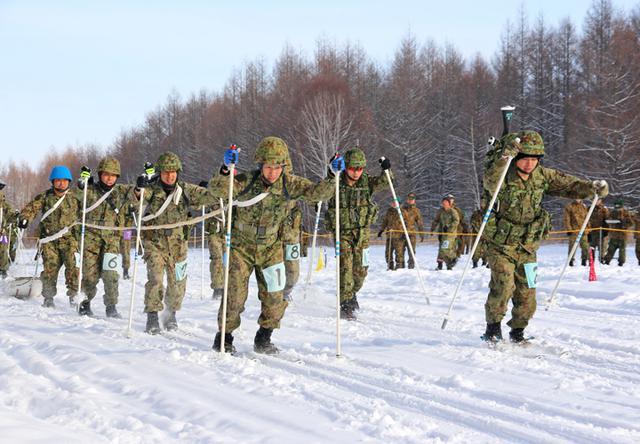 画像4: 冬季戦技競技会 スキー機動能力向上|美幌駐屯地