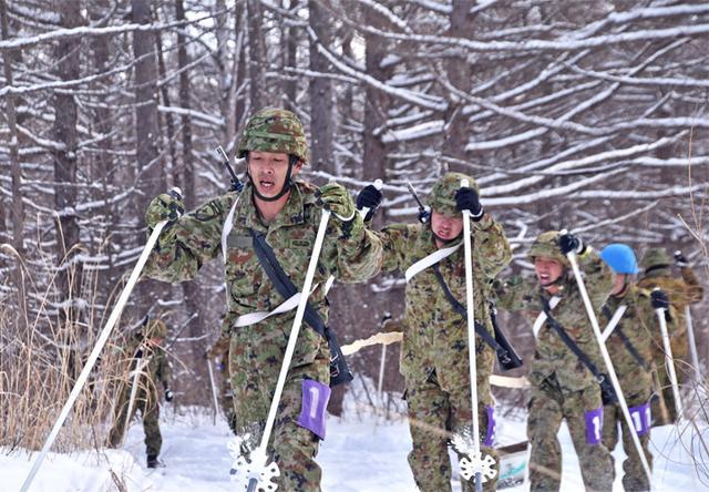 画像7: 冬季戦技競技会 スキー機動能力向上|美幌駐屯地