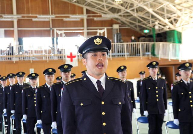 画像1: 「生涯の絆を」陸曹候補生86人入隊|福岡駐屯地