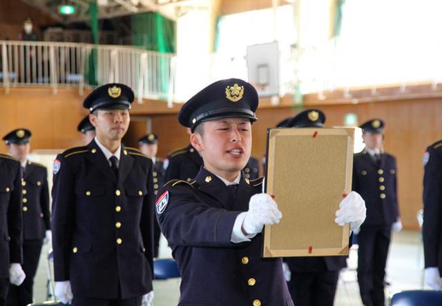 画像3: 「生涯の絆を」陸曹候補生86人入隊|福岡駐屯地