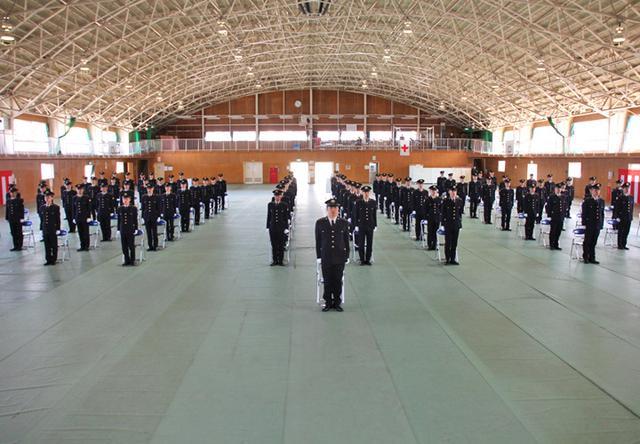 画像4: 「生涯の絆を」陸曹候補生86人入隊|福岡駐屯地