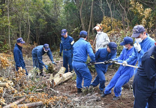 画像1: 登山道整備のボランティアに協力|海自1術校