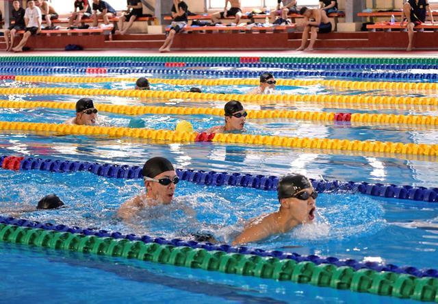 画像1: 海曹予定者課程「水泳」12分隊制す|海自佐世保教育隊