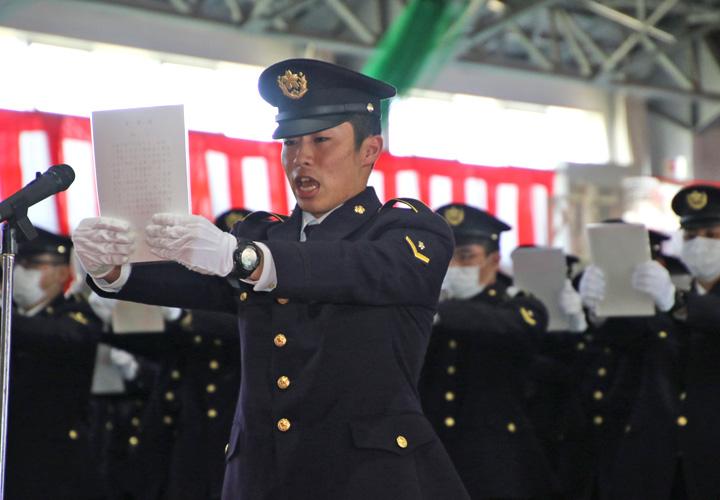 画像1: 曹候生・自候生1600人が入隊|武山駐屯地、朝霞駐屯地