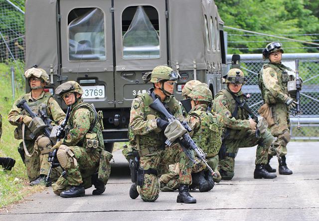 画像1: 対テロ作戦のノウハウを部隊に普及|板妻駐屯地