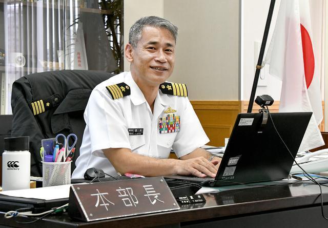 画像: 神奈川地本で広報に力を入れる夏井本部長。ツイッターも積極的に活用
