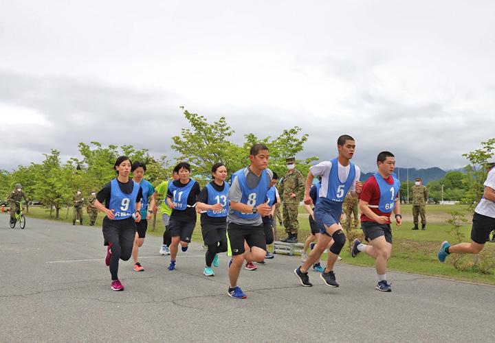 画像: 重迫中隊の女性隊員、陸曹選抜試験に挑む|神町駐屯地