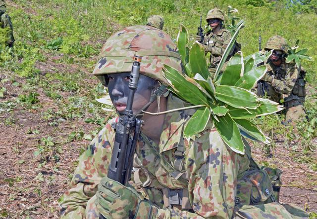 画像2: 自衛官候補生32人が戦闘訓練|青森駐屯地