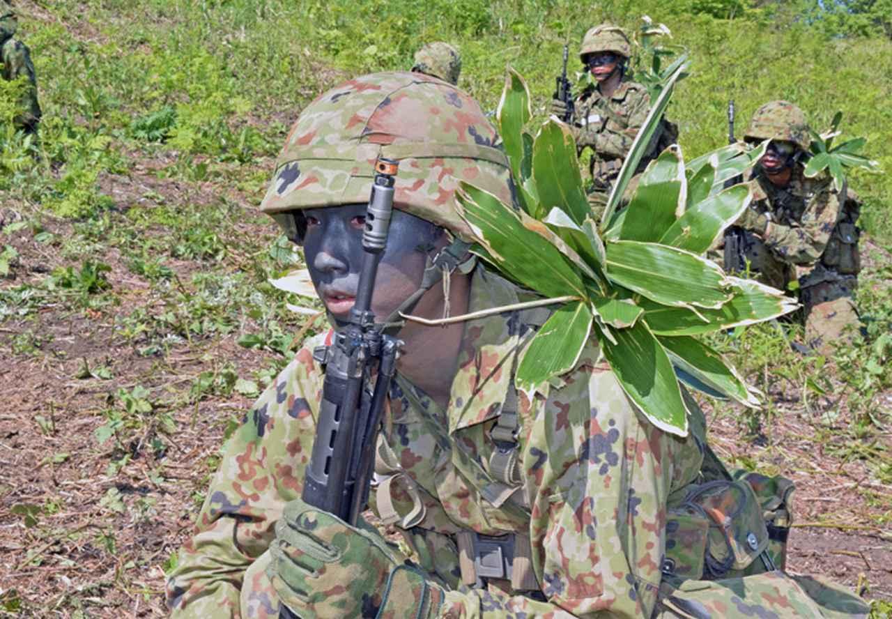 画像2: 自衛官候補生32人が戦闘訓練 青森駐屯地