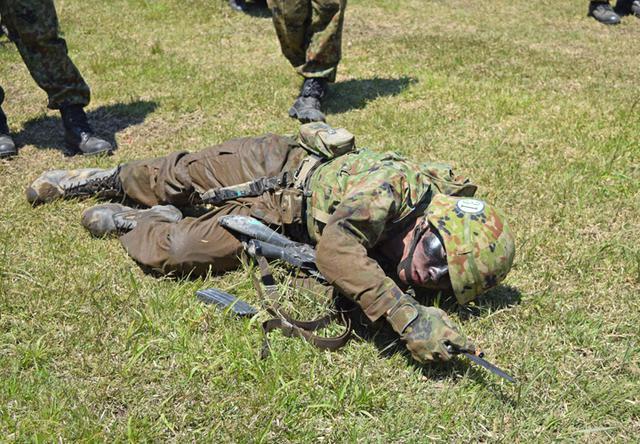 画像7: 自衛官候補生32人が戦闘訓練|青森駐屯地