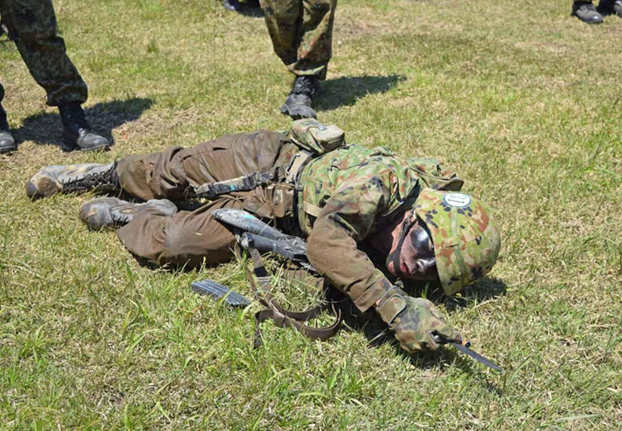 画像7: 自衛官候補生32人が戦闘訓練 青森駐屯地
